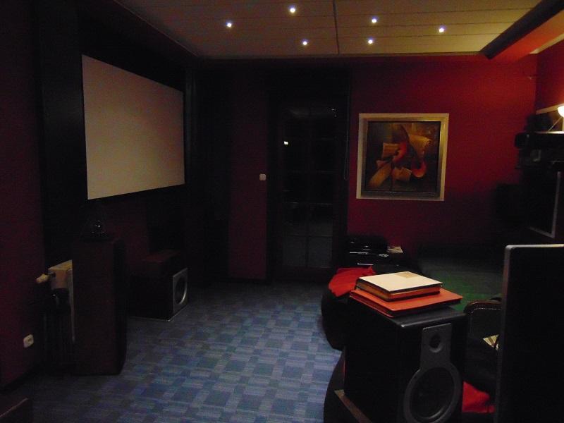 Pest megyei villa cinema room 001