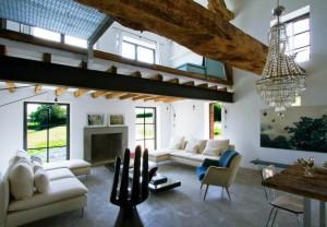 Öreg pajtából családi ház
