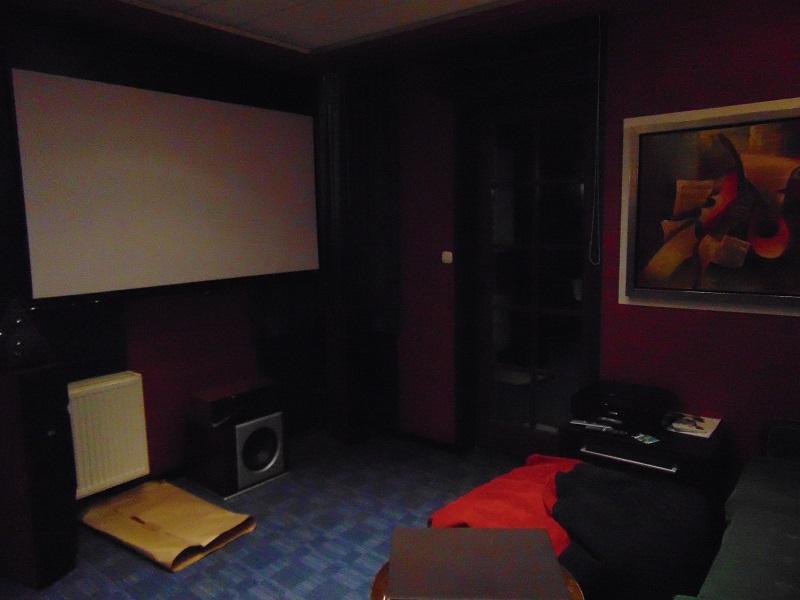 Pest megyei villa cinema room 002